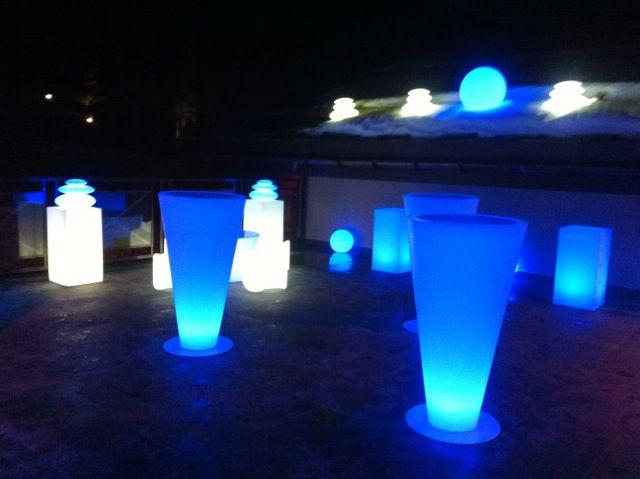 Une lumière douce pour vos nuits, un balisage de jardin ambiancé, une décoration de piscine épurée ou une mise en scène de vos plus beaux événements....